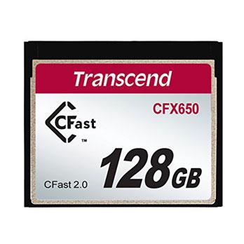 Een Transcend 128 GB CFast geheugenkaart op een witte achtergrond.