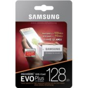Een Samsung 128GB Micro SD Evo Plus 100 MBs in de verpakking.